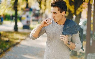 How to stop smoking by vaping
